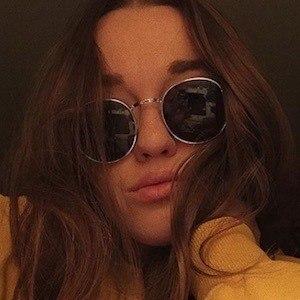 Kaitlyn Vella Headshot 6 of 10