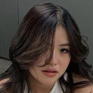 Kaiyan Xue Headshot 6 of 10