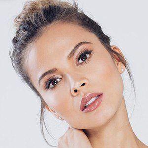 Karin Jiménez 4 of 6