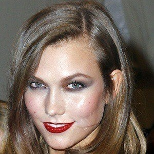 Karlie Kloss 2 of 8