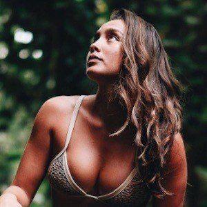 Karlie Thoma 5 of 10