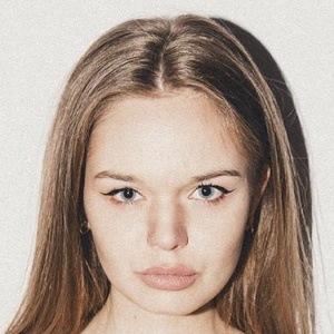 Karolina Leszkiewicz Headshot 10 of 10
