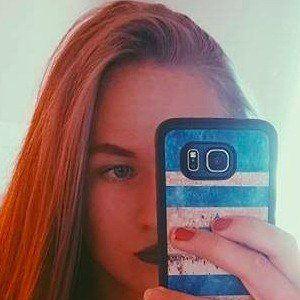 Karolina Savko 2 of 5
