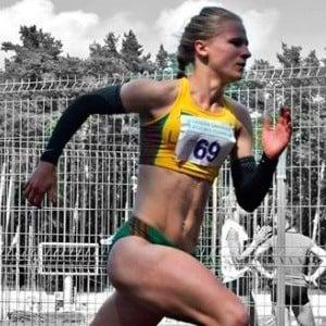 Karolina Savko 3 of 5