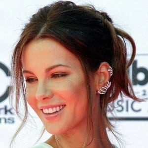 Kate Beckinsale 3 of 10
