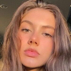 Kate Peytavin 8 of 10