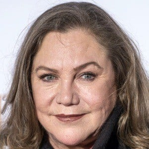 Kathleen Turner 6 of 9