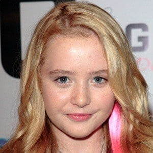 Kathryn Newton 7 of 10
