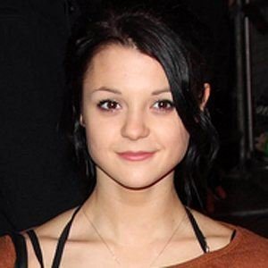Kathryn Prescott 3 of 5
