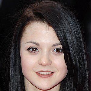 Kathryn Prescott 4 of 5