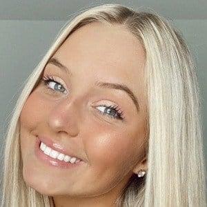 Katie Henninger Headshot 6 of 7