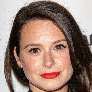 Katie Lowes 3 of 6