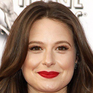 Katie Lowes 4 of 6