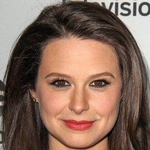 Katie Lowes 5 of 6