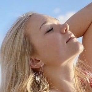 Katie Sigmond 4 of 6
