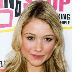 Katrina Bowden 7 of 10