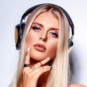 Katrina Mykhajlenko 3 of 10
