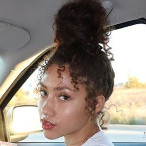 Kayla Bylon Headshot 5 of 10