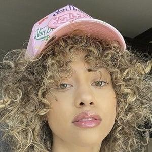 Kayla Bylon Headshot 8 of 10