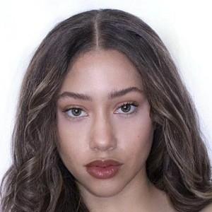 Kayla Bylon Headshot 10 of 10