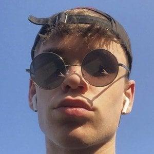 Keanu Bruijnen Headshot 7 of 8