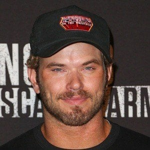Kellan Lutz 6 of 10