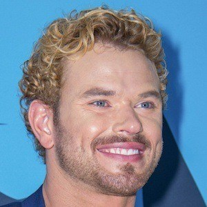 Kellan Lutz 7 of 10