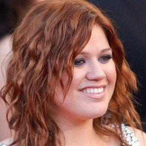 Kelly Clarkson 5 of 10