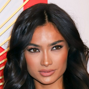 Kelly Gale 3 of 5