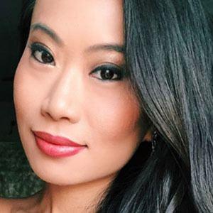 Kelly Mi Li 2 of 4