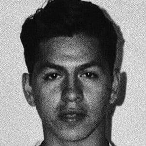 Kevin Hernández 3 of 6