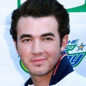 Kevin Jonas 5 of 10