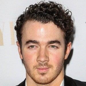 Kevin Jonas 7 of 10