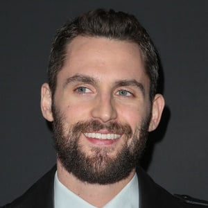 Kevin Love 4 of 7