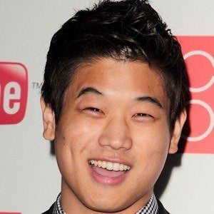 Ki Hong Lee 3 of 5