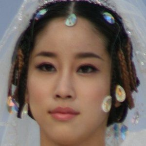 Kim Joo-ri 2 of 2
