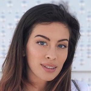 Kim Lianne 2 of 6