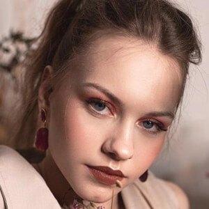 Klaudia Nicole Pietras Headshot 4 of 10