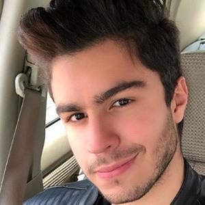 Konrad Montero 3 of 5