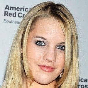Kristen Alderson 3 of 8