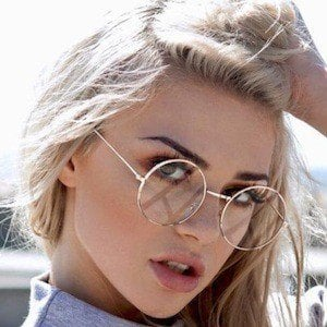 Kristen Hancher 5 of 10