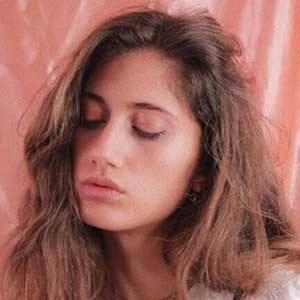Kristen Leo 2 of 5