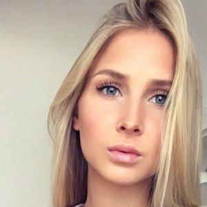 Kristin Schwan 6 of 10