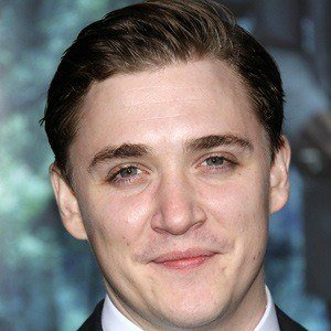 Kyle Gallner 3 of 5