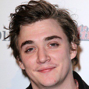 Kyle Gallner 4 of 5