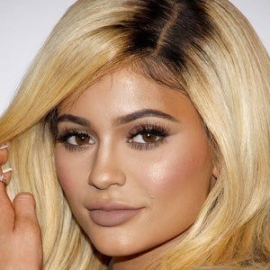 Kylie Jenner - Bio, Facts, Family | Famous Birthdays