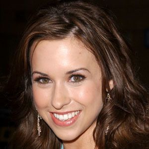 Lacey Chabert 6 of 10