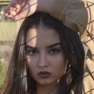 Laia Fidalgo Vega 4 of 9