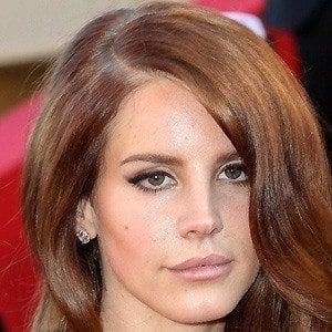 Lana Del Rey 2 of 10