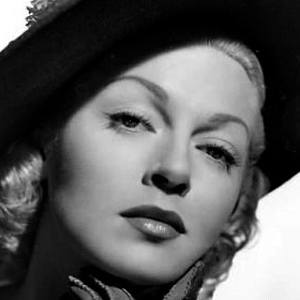 Lana Turner 8 of 10
